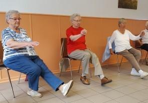 Hockergymnastik, Foerderung der Gemeinschaft in der Harabau e. V.